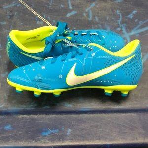 Nike Mercurial Vortex III NJR FG JR SZ: 4.5